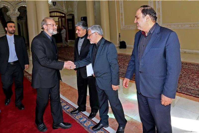 گزارش تصویری/دیدار رئیس مجلس مالی با دکتر علی لاریجانی