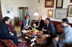 وزیر فرهنگ و ارشاد اسلامی به دیدار نوروزی شهرام ناظری رفت