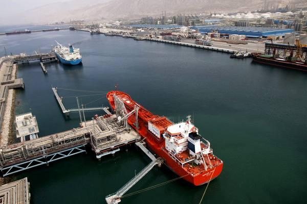 25 درصد کل محصولات صادراتی کشور از سوی اتحادیه  صادرکنندگان نفت و پتروشیمی انجام میشود