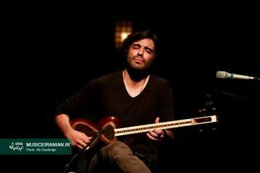 گزارش تصویری سایت خبری و تحلیلی «موسیقی ایرانیان»علی قمصری با «اتاق ها» در برج آزادی روی صحنه رفت