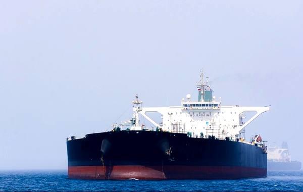 نخستین کشتی نفتکش ایران عازم اندونزی شد