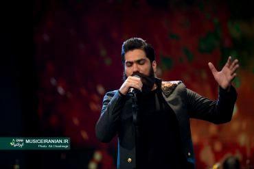 گزارش تصویری «موسیقی ایرانیان» از کنسرت «علی زندوکیلی» در جشنواره موسیقی فجربرادر رئیس جمهور به دیدن کنسرت «علی زندوکیلی» نشست
