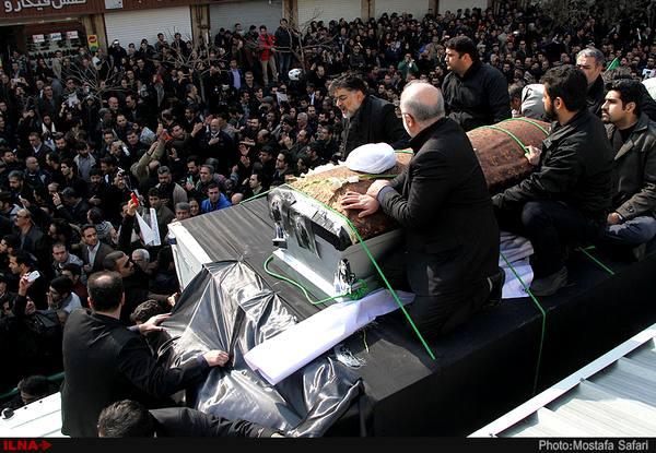 اعلام آمادگی خانواده هاشمی برای میزبانی  مردم در مراسم شب هفتم آیتالله، در مرقد امام