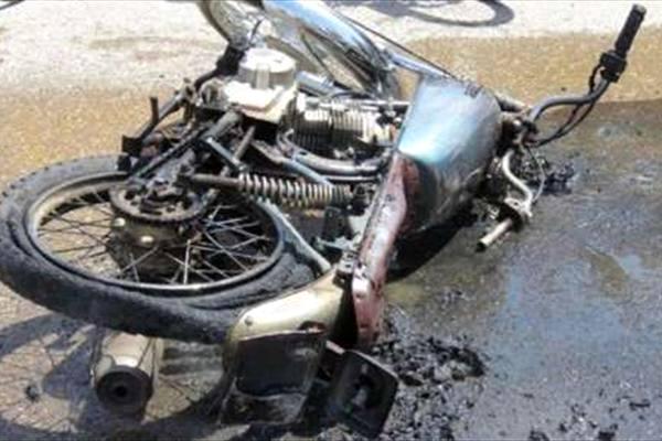 مصدومیت شدید موتور سوار آباده طشکی در برخورد با خودرو سواری