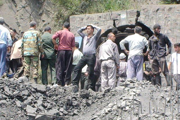 دیه ۲۱۰ میلیون تومانی به ۴۰ کارگر معدن آزادشهر پرداخت میشود