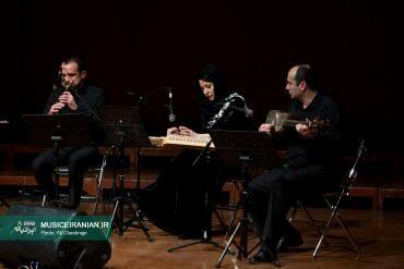 گزارش تصویری «موسیقی ایرانیان» از کنسرت گروه موسیقی «آزار»امانوئل هونیسیان: عاشیق کسی است که راه میرود و با نوایی پُرشور مینوازد