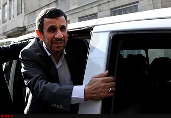 تکذیب دعوت از احمدینژاد برای سفر به خراسان رضوی