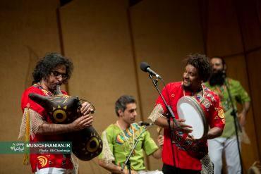 گزارش متنی و تصویری «موسیقی ایرانیان» از کنسرت گروه موسیقی «لیان» در جشنواره موسیقی فجرگروه موسیقی «لیان» یک نوازنده جانباز را به صحنه آورد