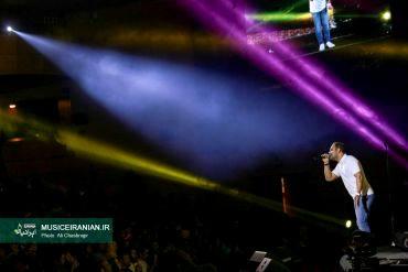 گزارش تصویری مفصل «موسیقی ایرانیان» از این کنسرت«سیامک عباسی» پس از شش ماه در پایتخت به روی صحنه رفت