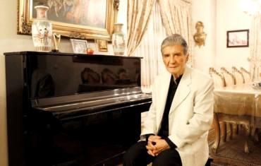 گفتگو با خواننده پیشکسوت موسیقی ایرانی و «مرغ سحر» خوانی اشنادر گلچین: ما همه مرغ سحریم