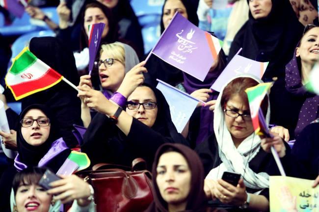 استقبال باشکوه مردم مازندران از دکتر روحانی در سالن سید رسول حسینی ساری