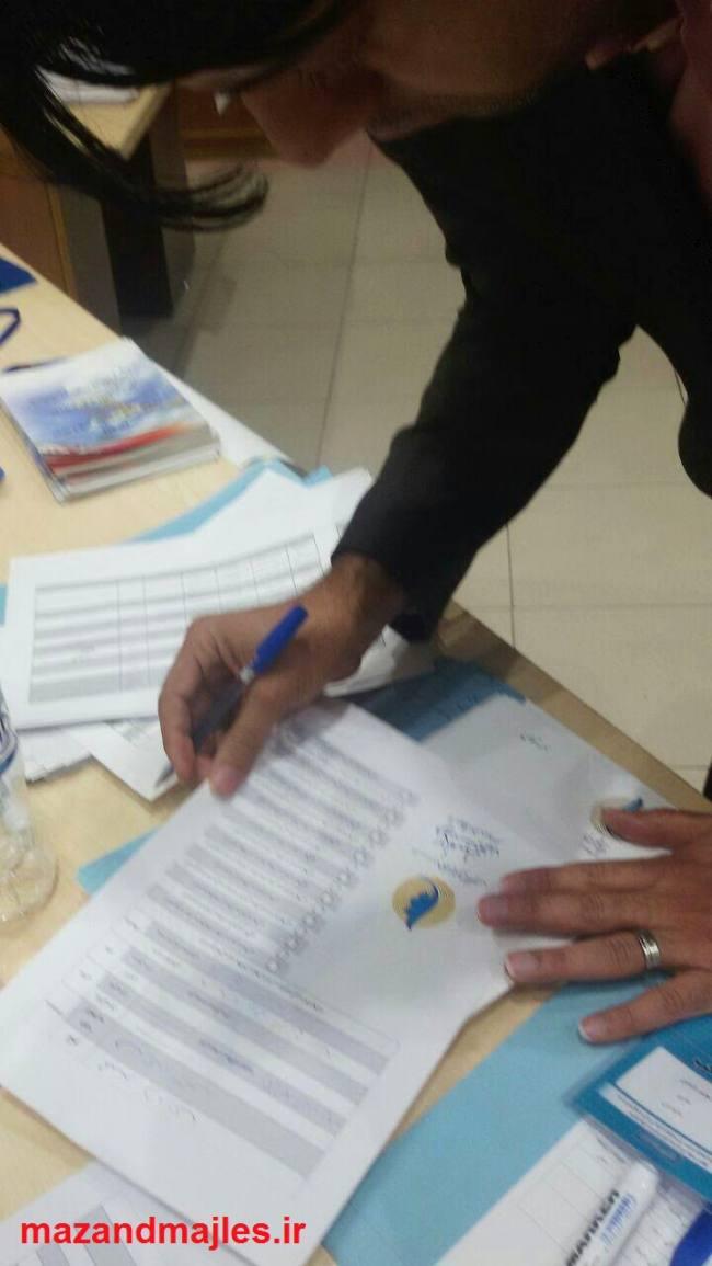 محمد دامادی فرم عضویت فراکسیون امید را امضا کرد