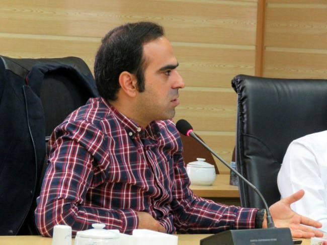 مردم ریشه سیاه نمایی ها را پیدا کنند/ در زمان احمدی نژاد صحبت از تحمل کردن، خوردن یک وعده غذا و اشکنه پیاز بود