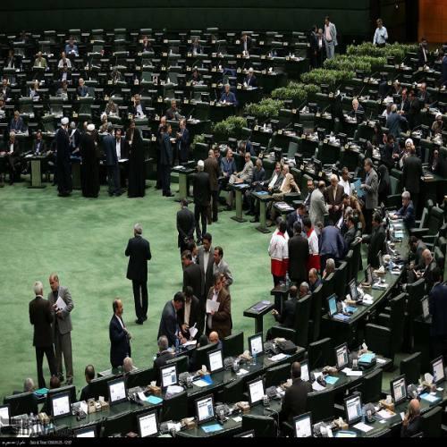 مجلس دچار شعار زدگی شده است/ نظارتهای مجلس نتیجهای ندارد
