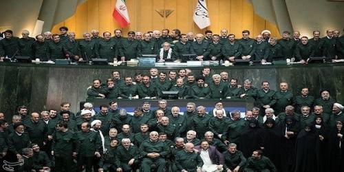 ایده پوشیدن لباس سپاه را چه کسی به نمایندگان مجلس داد؟