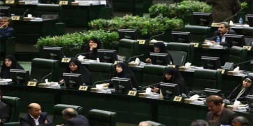 احزاب در ارایه لیستهای انتخابات میتوانند کُرسیهای بیشتری را به زنان اختصاص دهند