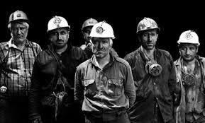 نمایندگان مجلس یک ماه با حقوق کارگری زندگی کنند