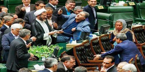 نمایندگانی که با «شأنِ مجلس» بازی میکنند/مقصر شوراینگهبان است یا احزاب؟