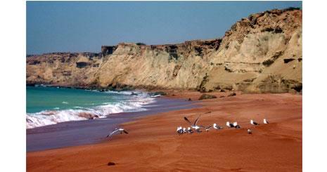 توسعه 4 مجموعه ساحلی از زرآباد تا گواتر