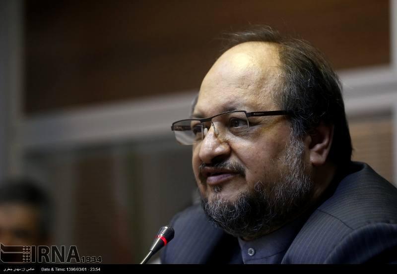 وزیر صنعت: توپ و تشرها ضربه ای به اقتصاد ایران وارد نمی کند