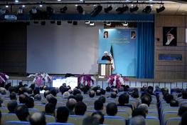 روحانی: برای ساخت موشک و هواپیما از احدی اجازه نخواهیم گرفت
