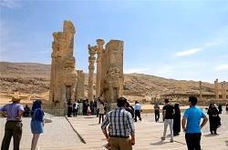 بررسی اشکالات سایت موزه تل آجری تخت جمشید