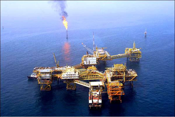 توسعه و نوسازی تاسیسات شرکت نفت فلات قاره ایران با تعریف ۶ پروژه