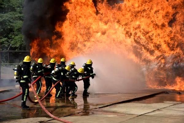 شهرداریها مکلف به پرداخت ۴ درصد مابه التفاوت حق بیمه آتشنشانان شدند