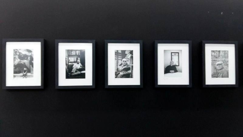 100 شاعر و نویسنده معاصر ایران در قاب سیاه و سفید