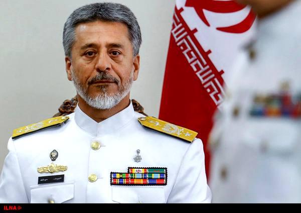 فرمانده نیروی دریایی ارتش از صنایع دریایی شهید درویشی بندرعباس بازدید کرد