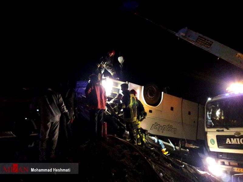19 کشته و زخمی در تصادف اتوبوس و کامیون/ 4 مجروح حادثه عراقی هستند