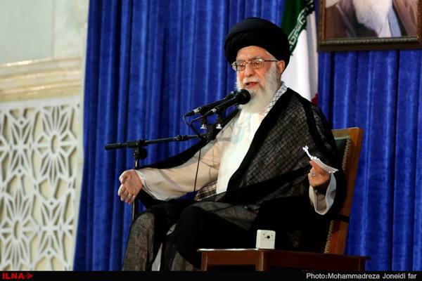 باید با تکرار حقایق مربوط به امام و انقلاب مجال تحریف را از تحریفکنندگان بگیریم