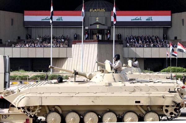 پیام شباهت یونیفورمهای نیروهای الحشد الشعبی به لباسهای نیروهای سپاه چیست؟