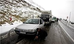 بارش برف و کاهش دما تا ۱۰درجه در شمال و شرق کشور/رانندگان جادههای کوهستانی زنجیرچرخ داشته باشند