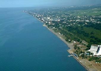 کل ساحل خزر در ساری در اختیار دولتیها است / دولت باید ویلاهای خود در سواحل شمالی را واگذار کند