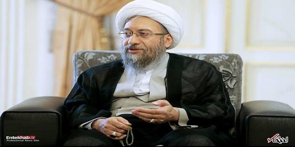 آیت الله آملی لاریجانی: رئیسجمهور مغالطه میکند