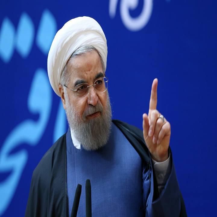 روحانی: در جنگ اقتصادی، کشور به فرمانده واحد نیاز دارد؛ به رهبری پیشنهاد دادم فرماندهی با حضرتعالی باشد، فرمودند فرمانده این جنگ باید رئیس جمهور باشد