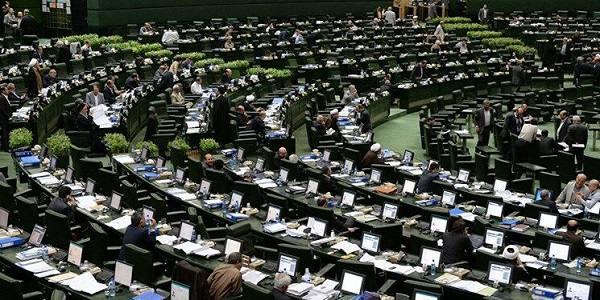 موافقت مجلس با شفافیت مالی کاندیداهای انتخابات/ کمک نقدی و غیرنقدی نامزدها به افراد جرم است