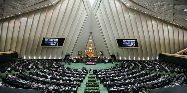 طرح مجلس برای نظارت بر سفرهای خارجی کارکنان دولت+متن طرح