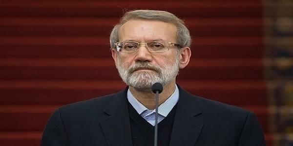 لاریجانی: چرا مجلس را تخریب میکنید؟