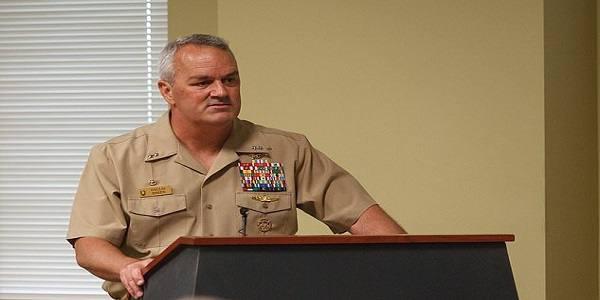 به دنبال اختلاف با ترامپ، فرمانده ارشد نیروهای ویژه آمریکا استعفا میکند