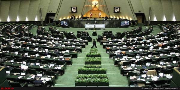 فریادهای عضو هیات رئیسه بر سر وزیر نیرو/ صندلی وزیر کشور جزو پر رفتوآمدترین صندلیها در صحن علنی مجلس