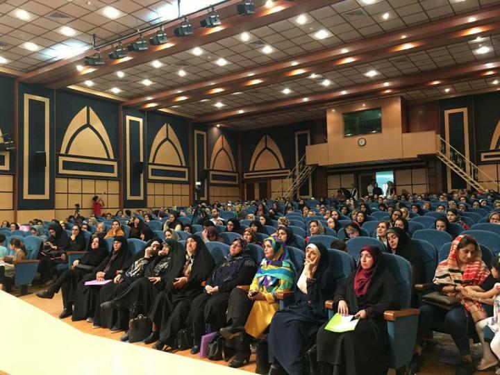 دکتر الهام ملک زاده : با مادران خود همراهی کنیم/ دکتر عالیه زمانی:ما،مادر جامعه هستیم