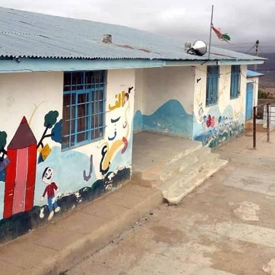 در و دیوار مدرسه بوی بیمهری میدهد!